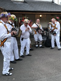 Rutland Morris Men musicians at the White Lion
