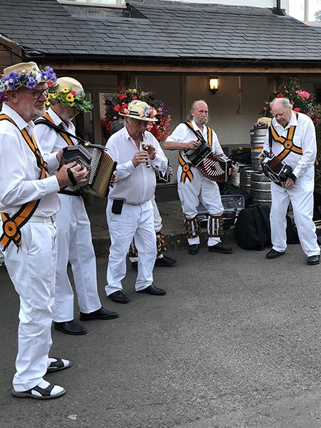 Rutland Morris Men musicians at the White Lion